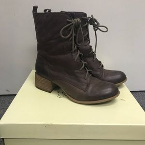 Lucky Brand brown Leather lace up Harriet boots 6